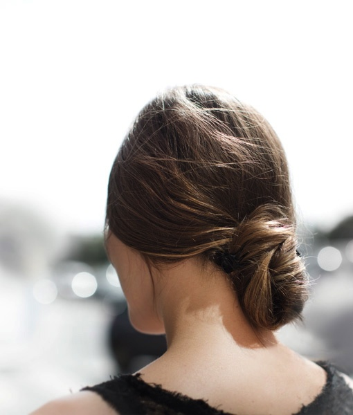 Low hair bun